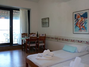 ladonja-four-bed-apartment-gallery-01