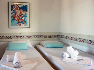 ladonja-four-bed-apartment-gallery-02