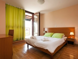ulika-five-bed-apartment-gallery-06