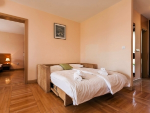 ulika-five-bed-apartment-gallery-08
