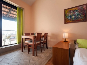 ulika-four-bed-apartment-gallery-08